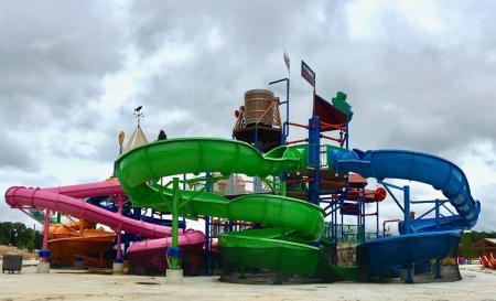 Waterpark Delays Opening